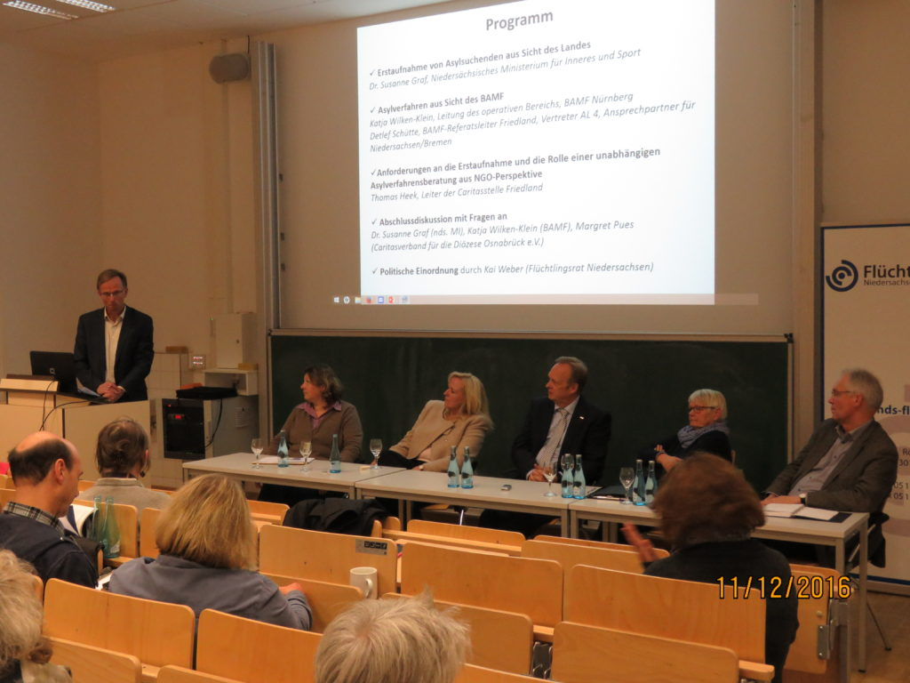 von links nach rechts: Kai Weber (Flüchtlingsrat), Dr. Susanne Graf (MI), Katja Wilken-Klein (BAMF), Detlef Schütte (BAMF), Margret Pues (DICV Osnabrück), Herbert Jelit (MS)